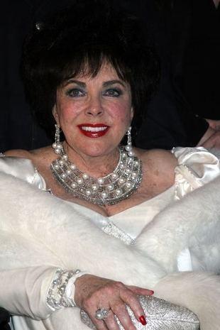 Liz Taylor jest zbyt sexy