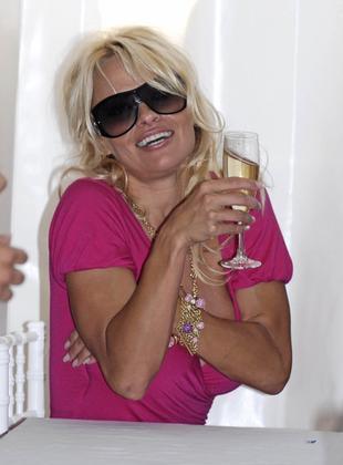 Podpita Pamela Anderson (FOTO)