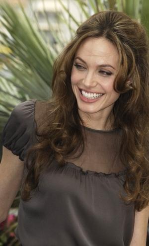 Wychudzona Angelina Jolie (FOTO)