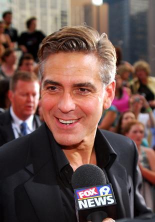 Czyżby Clooney miał liposukcję?