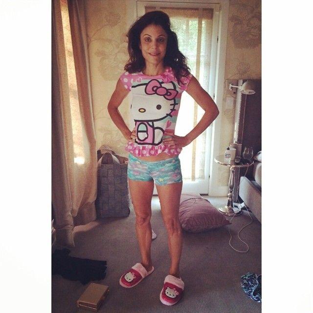 Robi sobie zdjęcia w piżamie czteroletniej córki (FOTO)