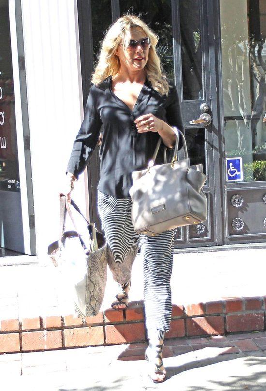 Jennie Garth, dawna pi�kno�� troch� si� zaniedba�a (FOTO)