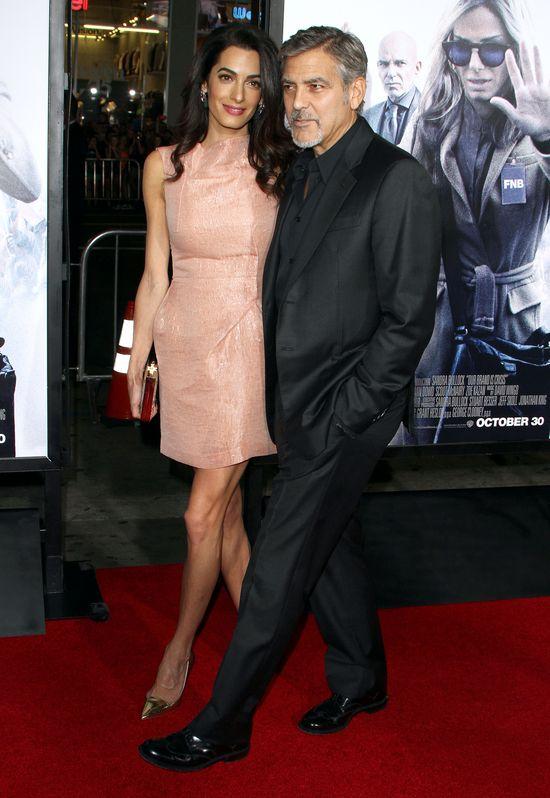Amal Clooney w swoim �ywiole i George w pracy (FOTO)