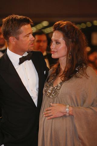 Co Angelina dostała na urodziny?