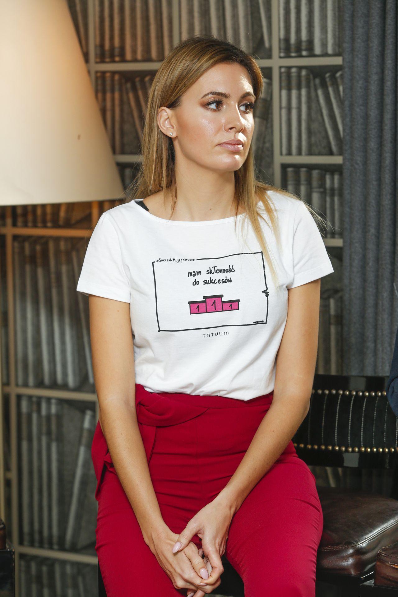 Esmeralda Godlewska sugeruje, że Agnieszka Hyży chce się wybić na plecach sióstr