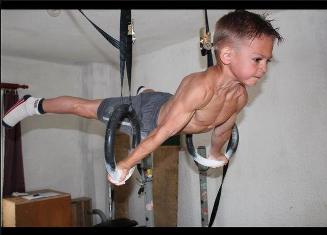 Poznajcie braci Stroe - najsilniejszych chłopców świata FOTO
