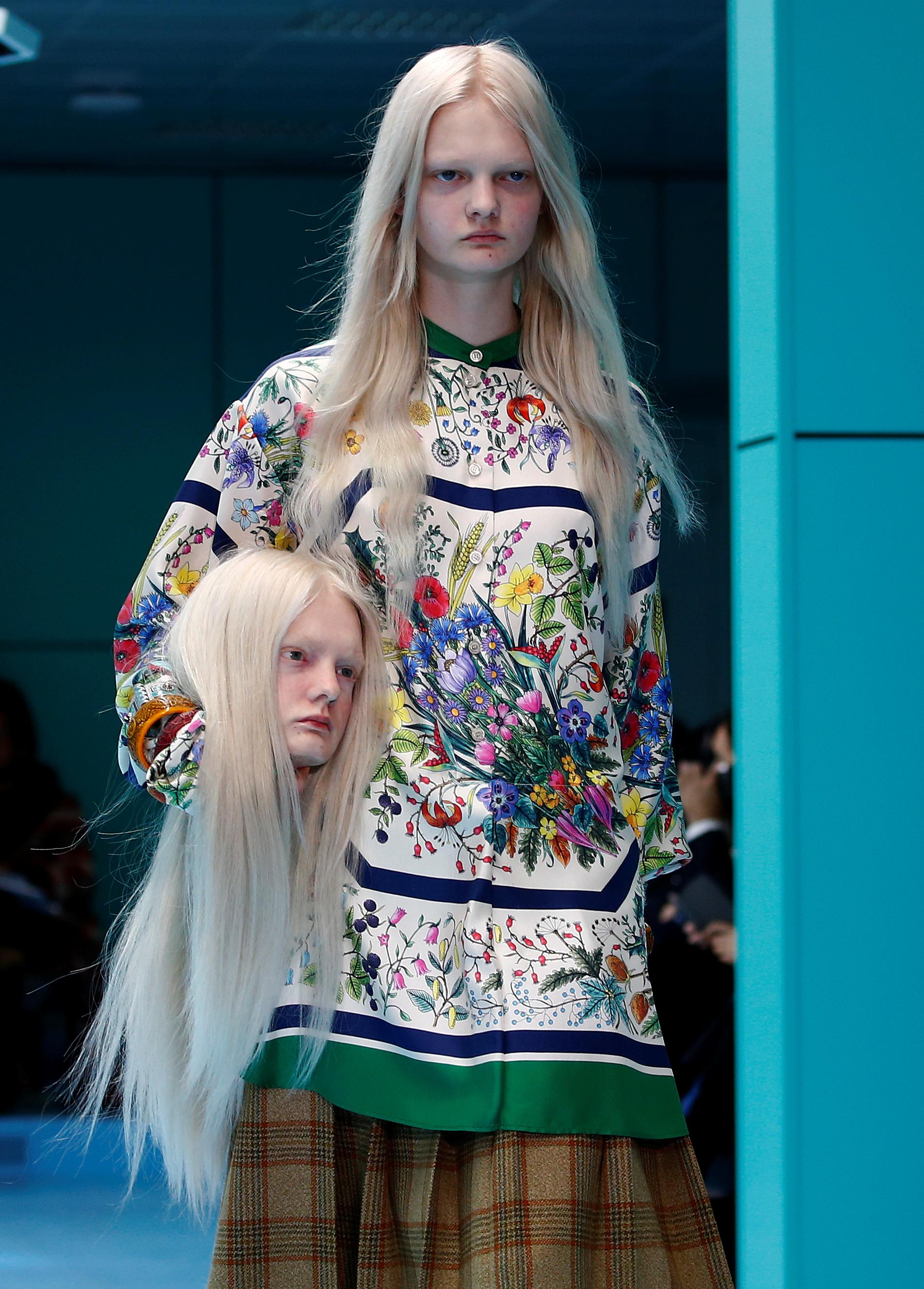 SZOKUJĄCY pokaz Gucci - modelki niosły SWOJE GŁOWY, inne miały troje oczu