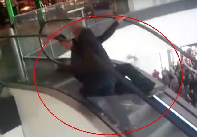 Daliby się zabić za darmowego hamburgera! (VIDEO)