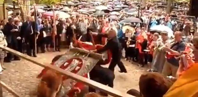 Harlem Shake ze świętymi obrazami [VIDEO]