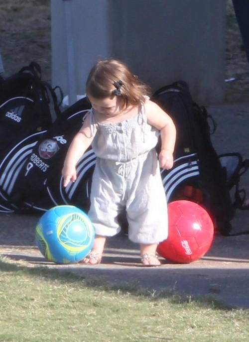 Harper Seven już idzie w ślady taty (FOTO)