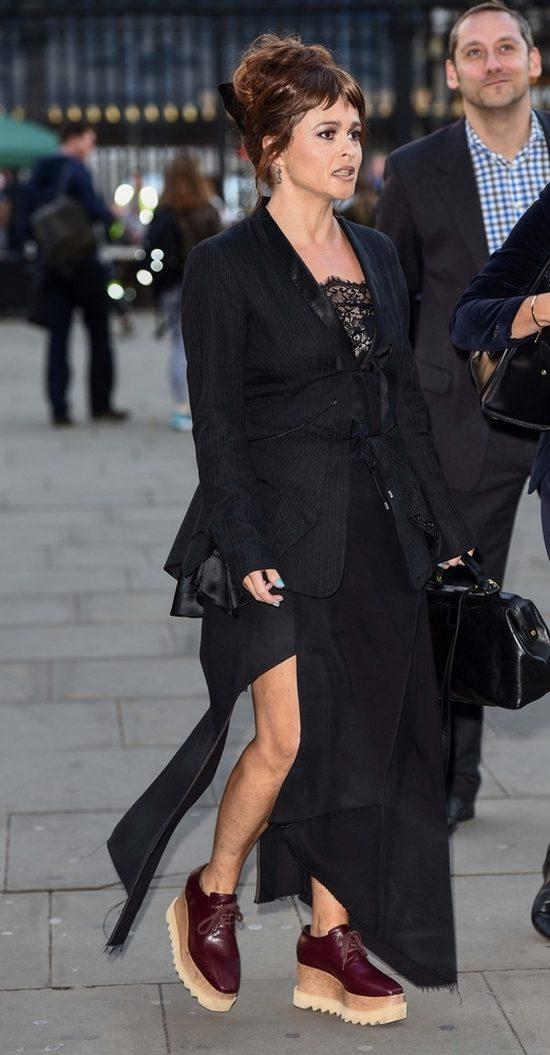 Helena Bonham Carter pozostaje wierna swemu stylowi (FOTO)