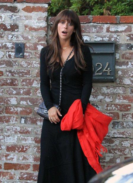 Jennifer Love Hewitt ma minę jak gumowa lala (FOTO)