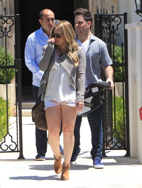 Może Hilary Duff nie powinna się odchudzać? (FOTO)