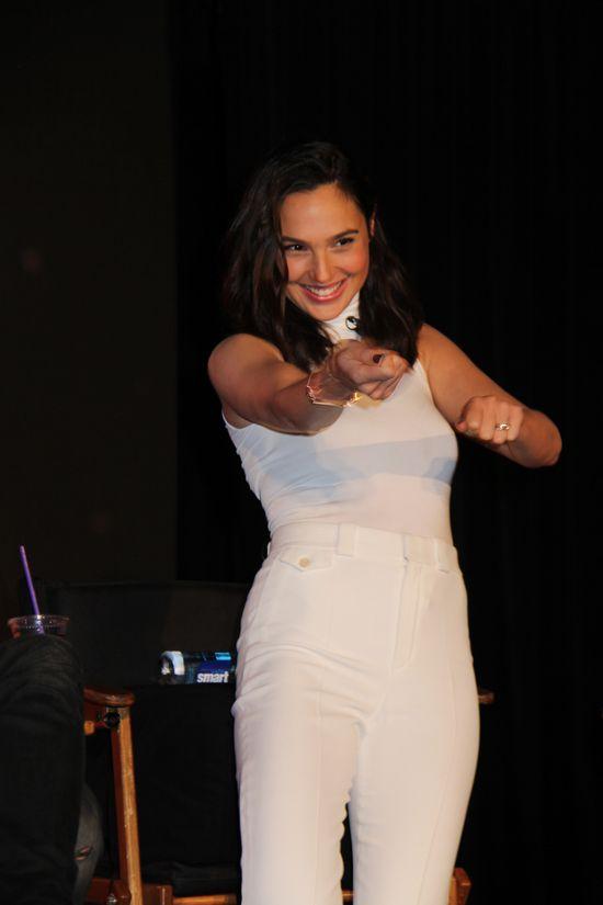Wonder Woman z Gal Gadot osiągnął NIEBOTYCZNE zyski!