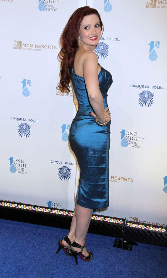Holly Madison została brunetką! (FOTO)