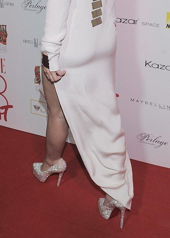Za duże buty, za luźna sukienka (FOTO)