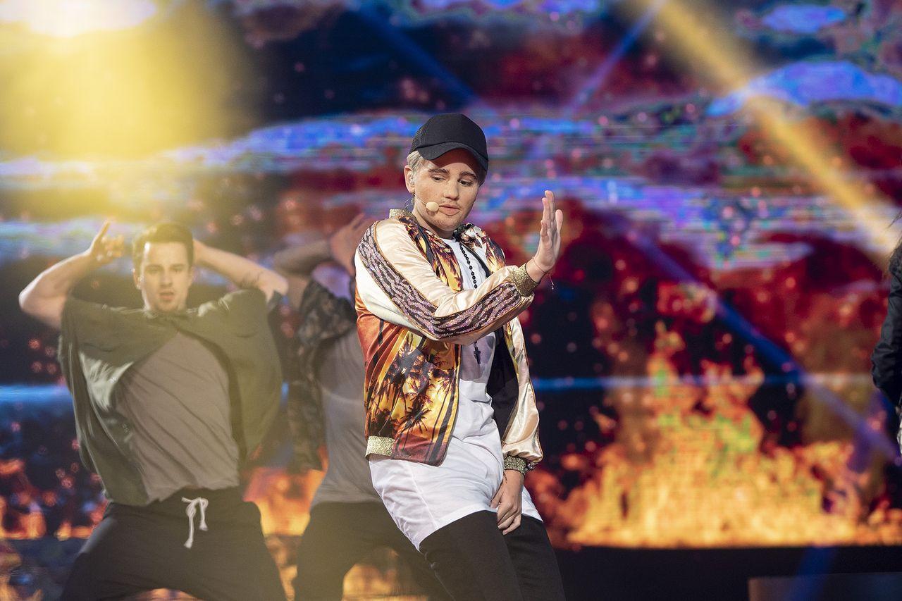 Honorata Skarbek jako Justin Bieber w Twoja Twarz Brzmi Znajomo (VIDEO)