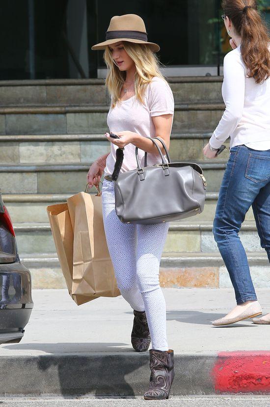 Gdzie Rosie Huntington-Whiteley kupowała ubrania?