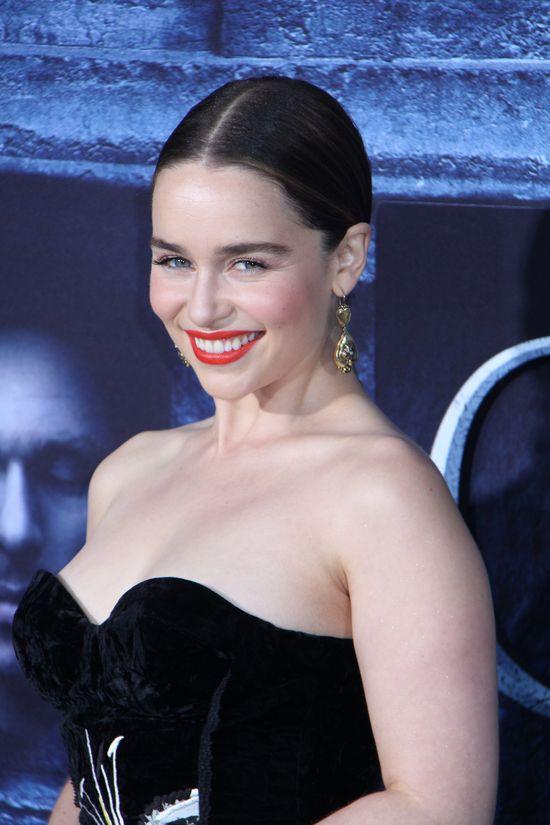 Gra o Tron 6: Emilia Clark musi się upić, aby zagrać rozbieraną scenę! (VIDEO)