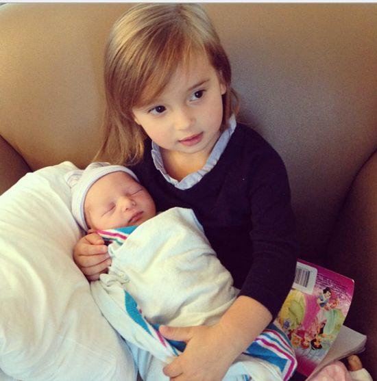 Ivanka Trump urodzi�a synka i ju� go pokazuje (FOTO)
