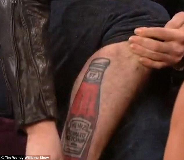 Kto ma taki idiotyczny(?) tatuaż? (FOTO)