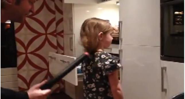 Jak zrobić córce perfekcyjny kucyk? (VIDEO)