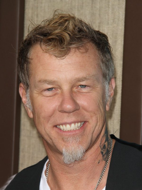 James Hetfield z grupy Metallica na scenie z c�rk� [VIDEO]
