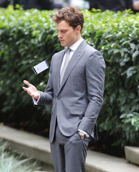 Pan Grey - lepszy z brod� czy bez? (SONDA)