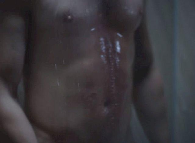 Nagi Jamie Dornan nie da spa� Ci tej nocy! (VIDEO)