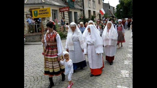 Koko Euro Spoko - babcie wymiatają hymn na Euro 2012 [VIDEO]