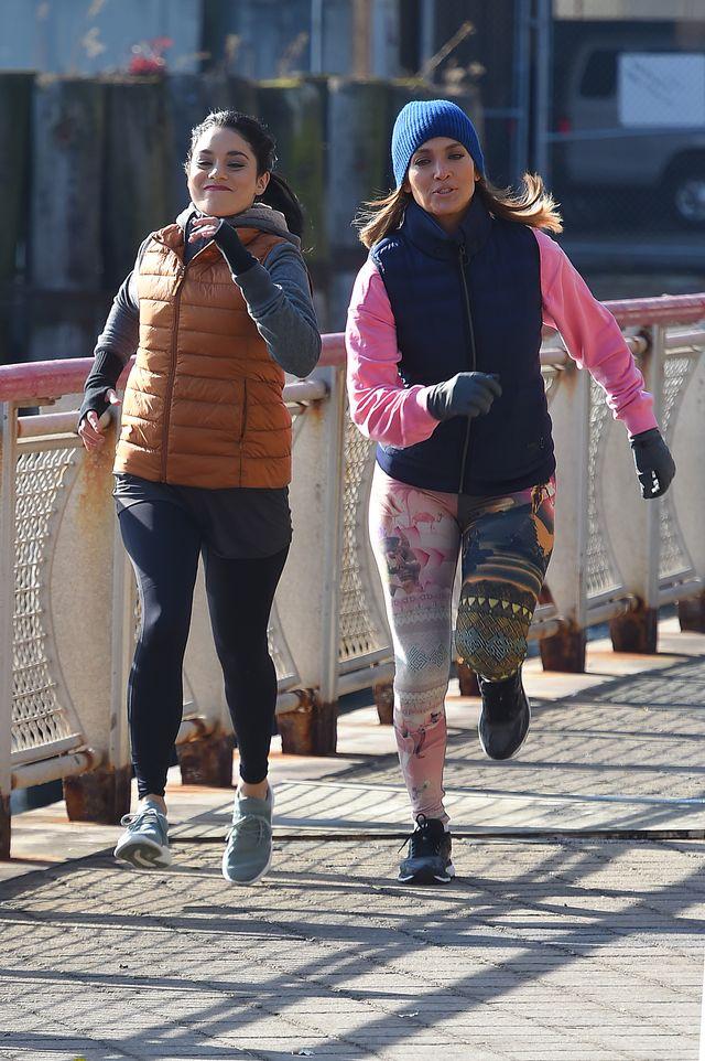 Jennifer Lopez nie przejmuje się poszerzającymi jej pupę legginsami