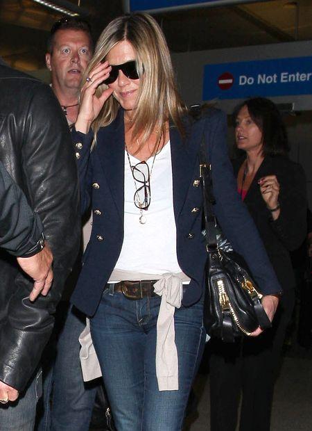 Jennifer Aniston pokazała swój pierścionek zaręczynowy FOTO