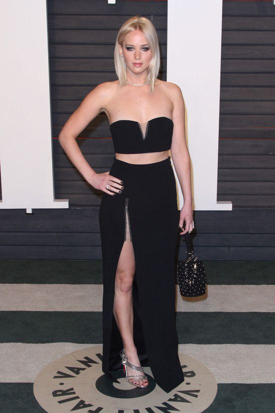 Jennifer Lawrene po wręczeniu Oscarów pokazała trochę ciała