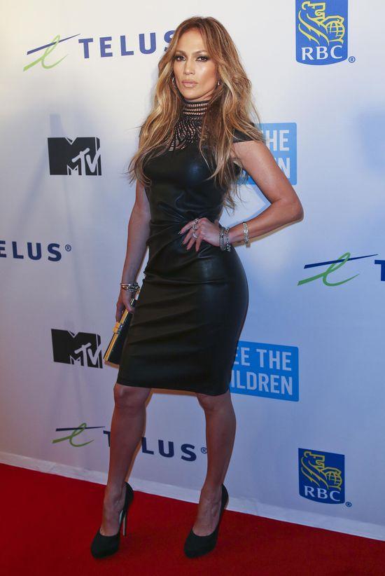 Jennifer Lopez - z wosku czy prawdziwa? (FOTO)