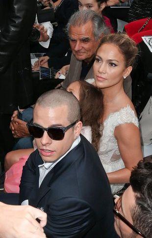 db2954b784ccf Rihanna NIE nosi oryginalnych torebek? Jennifer Lopez kupiła córce torebkę  za 2 tys. dolarów (FOTO)