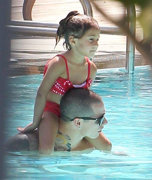 Jennifer Lopez w bikini z ukochanym i dziećmi (FOTO)
