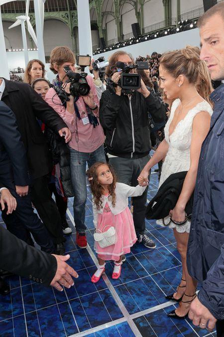Jennifer Lopez kupiła córce torebkę za 2 tys. dolarów (FOTO)