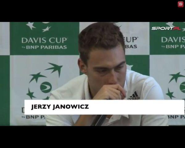 Dziennikarze obrażeni na Janowicza, fani biją mu brawo VIDEO