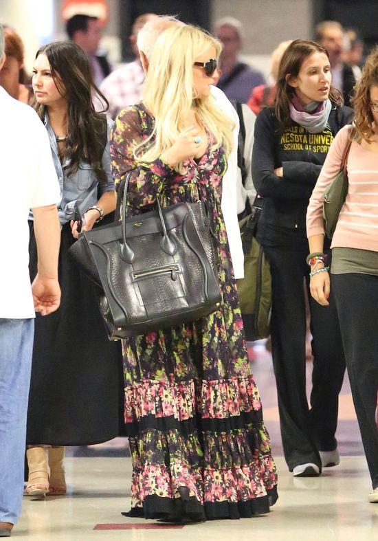 Jessica Simpson nie wszędzie schudła (FOTO)