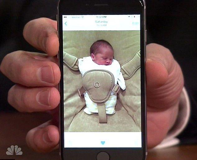 Znany gwiazdor pokazał pierwsze zdjęcia córeczki (FOTO)