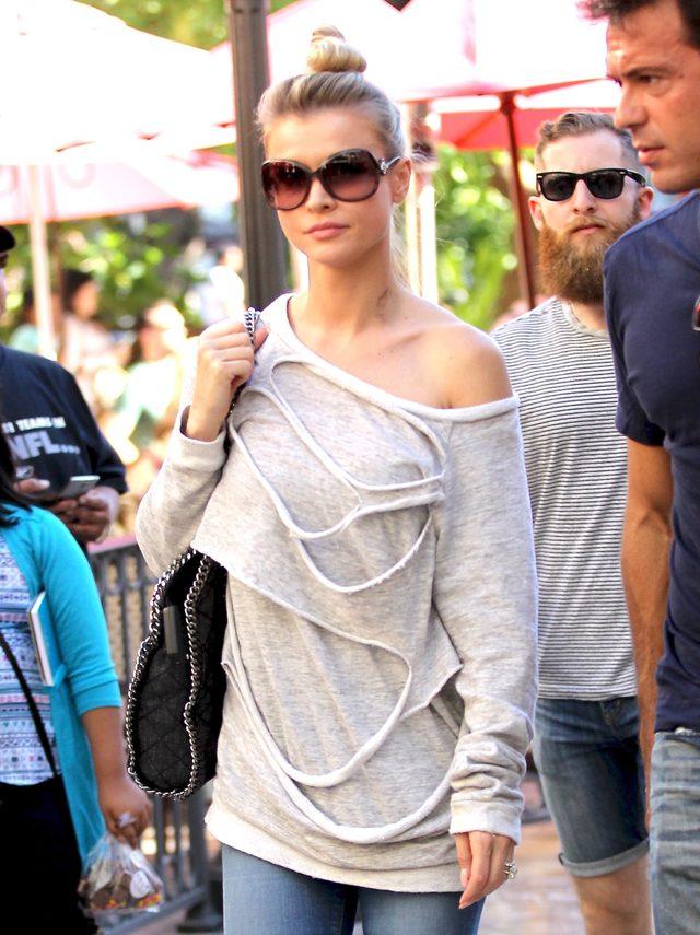 Polska modelka z siniakiem na szyi (FOTO)