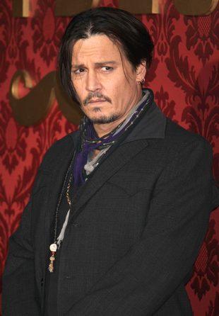 Johnny Depp skrytykowany za udział Lily Rose w kampanii