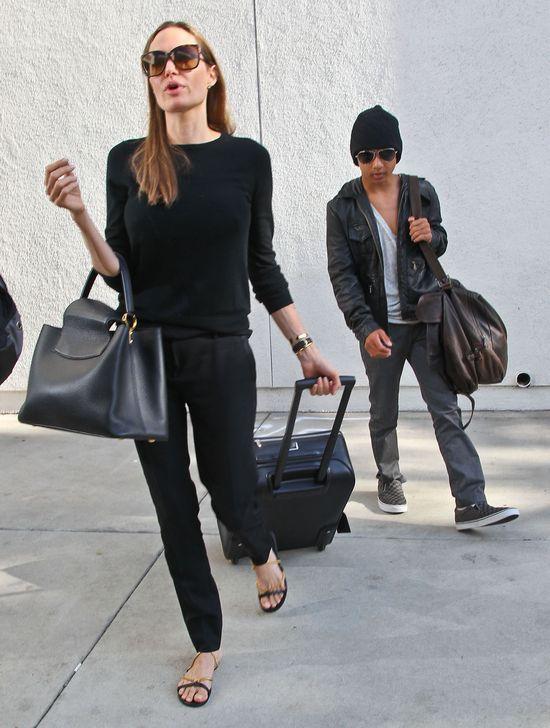 Jolie i Pitt na zakupach w dyskoncie