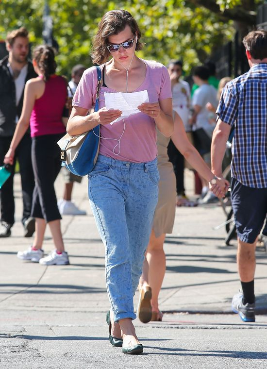 Na spacerze z Milą Jovovich (FOTO)
