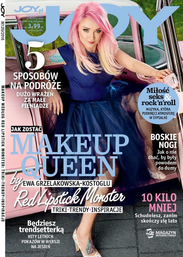 Red Lipstick Monster pokaza�a si� baz makija�u - teraz robi� to inne dziewczyny