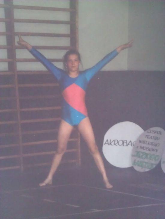 Poznajecie tę dziewczynkę? (FOTO)