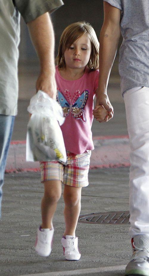 Justin Bieber zabra� siostr� na zakupy (FOTO)