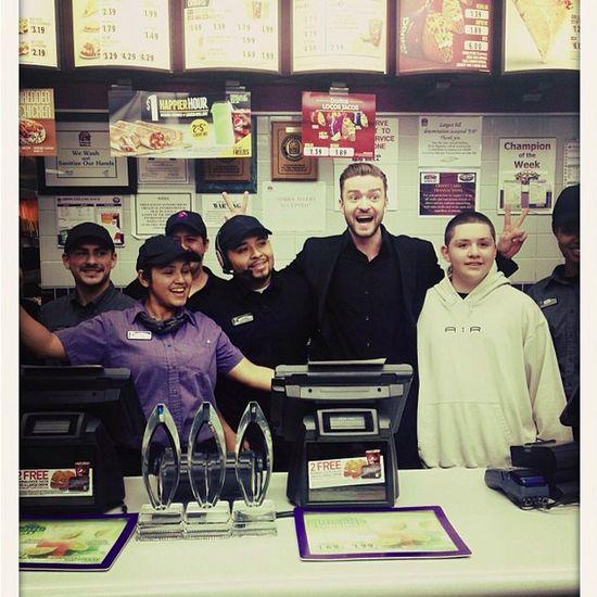 Justin Timberlake prosto z gali do Taco Bell (FOTO)
