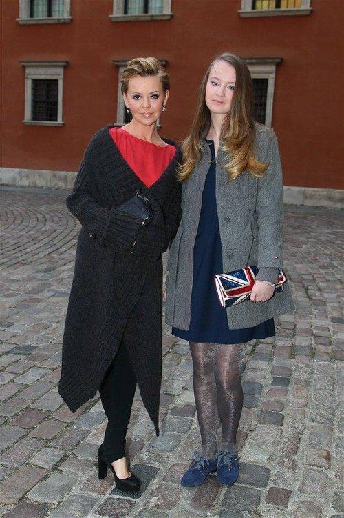 Zuzanna Ryncarz, c�rka Justyny Pochanke, z mam� na gali FOTO