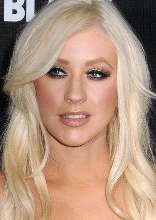 Christina Aguilera – zwrot w kierunku elegancji (FOTO)